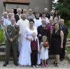Svatba v kostele sv. Václava ve Strupčicích. Nevěsta byla mj. místní varhanicí.