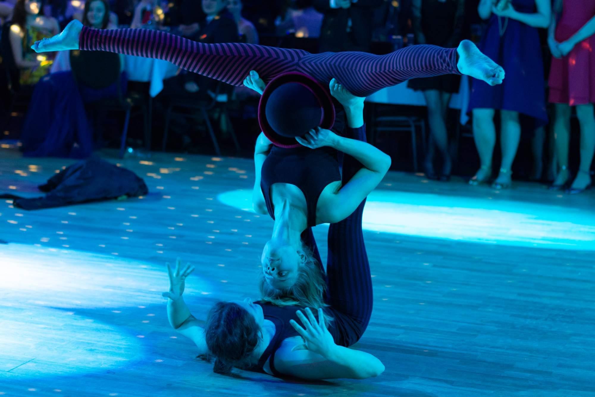 Akrobatické duo HaRo. Autor: Anna Viktorinová