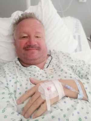 Minulý týden jsem byl na operaci. Už jsem doma a je mi fajn.