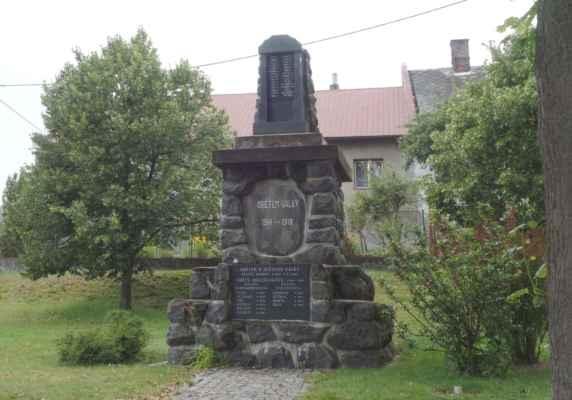 Památník obětem 1. a 2. SV a obětem holocaustu v Polničce.