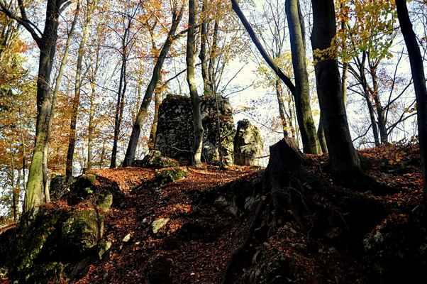 Holštéjn-Foceno nikonem-d-90  až do konce Pozůstatky z Hradu
