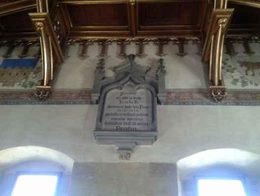 Praha - Staroměstská mostecká věž - interiér - pamětní deska