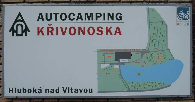 NaKolácký Podzimní sraz 2015 se konal v okolí Hluboké nad Vltavou a organizoval jej Holfi. Ubytování jsme měli zajištěné v kempu Křivonoska...
