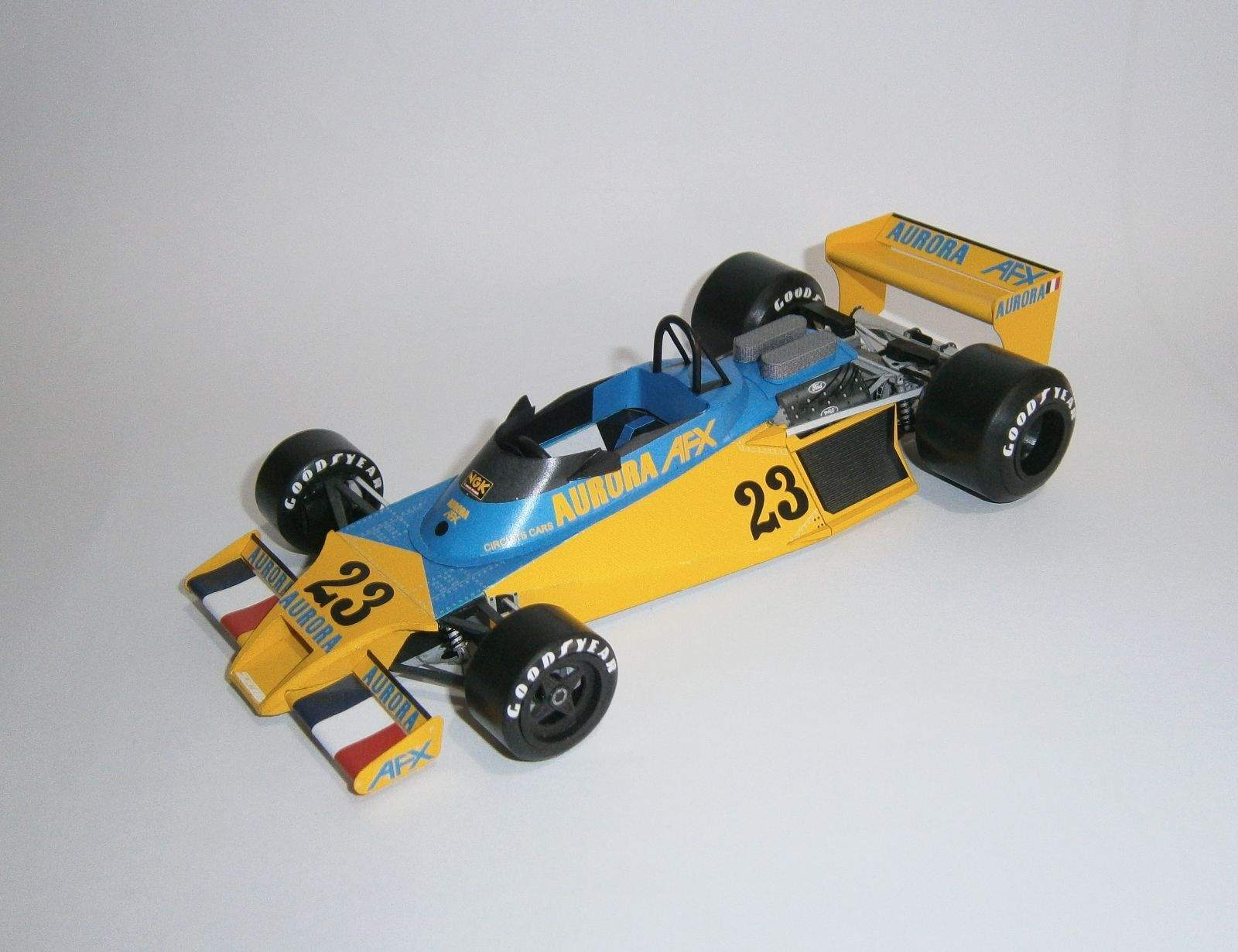 Surtees TS20 Ford - J.P.Jaussaud, F1 Aurora AXF - GP Nogaro 1979