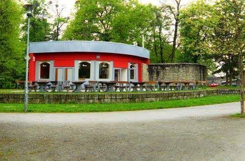 ARCHIVNÍ FOTO: Modrý pavilon býval i červený.