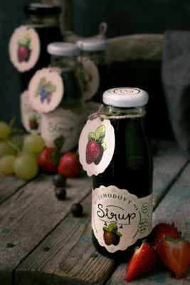 100% Jahodový koncentrátový sirup bez cukru, bez chemie, bez lepku - Hledáte kvalitní jahodový sirup pro vaše děti bez přidaného cukru a bez chemie? Vyzkoušejte ty naše, které neředíme vodou a ani nijak nedochucujeme. Na výrobu našich sirupů je potřeba 6 - 10 kg ovoce dle druhu. Kupujete si tak tekuté ovoce. Ochutnejte: https://www.slaskoukjidlu.cz/jahodovy-sirup/