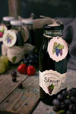 Zdravé, plné vitamínů a extra husté 100% ovocné koncentrátové sirupy na domácí limodány pro vás i vaše děti. Nejsou ředěné vodou ani nijak dochucovány. Lahodné tekuté ovoce. Vyzkoušejte https://www.slaskoukjidlu.cz/produkty/sirupy/