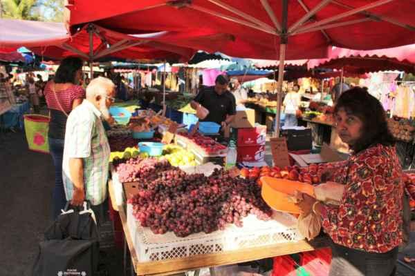 páteční trh v St. Paul