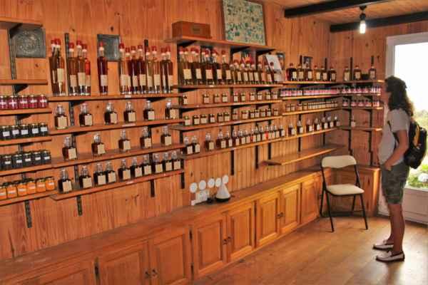kde prodávají likéry, marmelády i vonné oleje