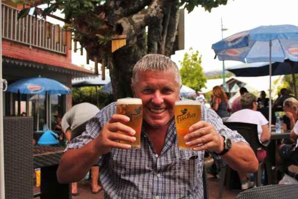 po výšlapu si Románek dává hned 2 velká piva