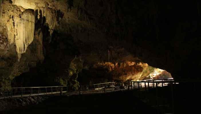 jeskyně nebyla nejmenší, šlo o hodinovou prohlídku