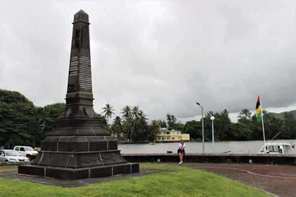 jen památník kapitánů ztroskotaných lodí