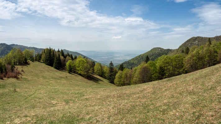 Dolina Kúr a v diaľke Žilina