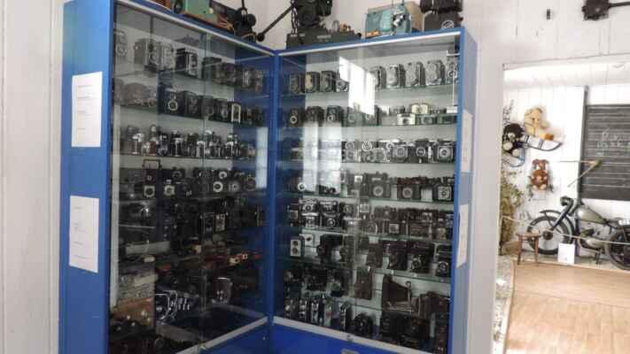 Plno různých fotoaparátů, doma mám několik modelů, které zde nebyly.