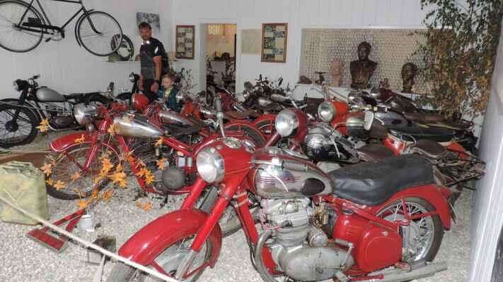 A naše království, motocykly JAWA.