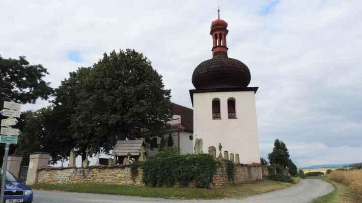 A když už jsem jel okolo, musel jsem se zastavit zde. Hřbitovní kostel sv. Ducha u Dobrušky.