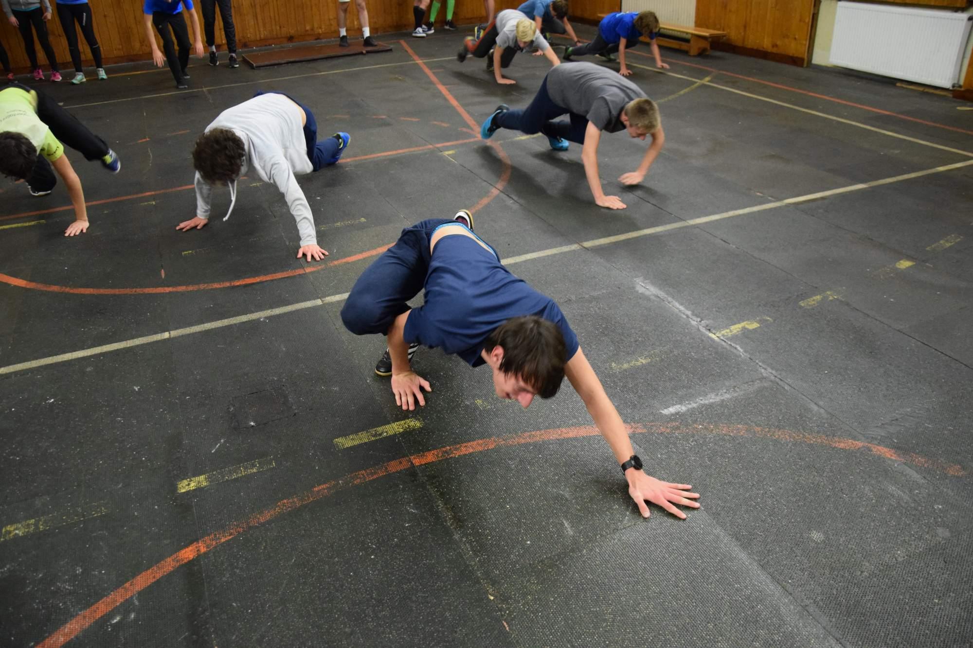trénink v tělocvičně