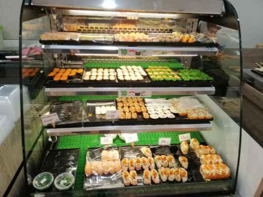 Mám rád sushi. V Tesco je velký výběr.