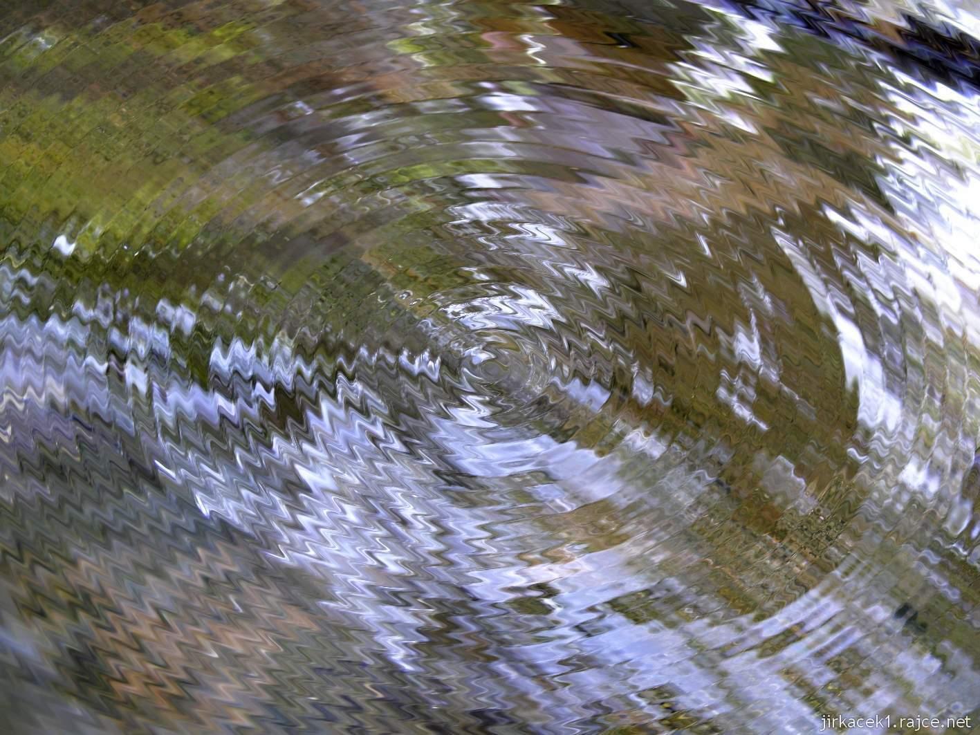 Bělá - Priessnitzovy přírodní lázně 07 - léčivá voda - detail