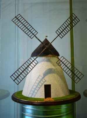 model větrného mlýna z Kuželova
