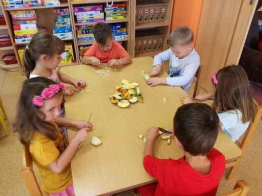 Ovocný salát(1.třída)