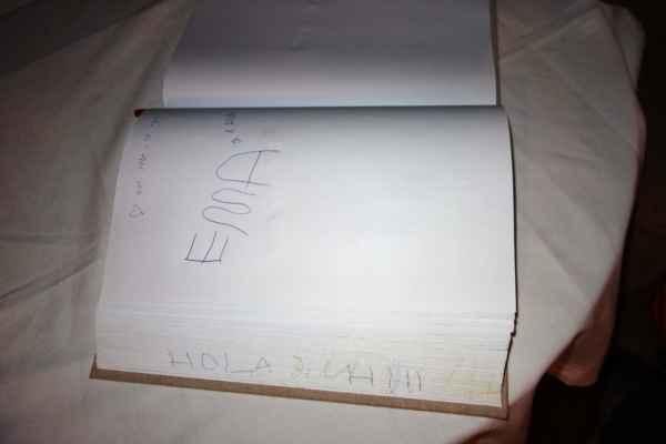 A nakonec se za nás Ema podepsala do návštěvní knihy.
