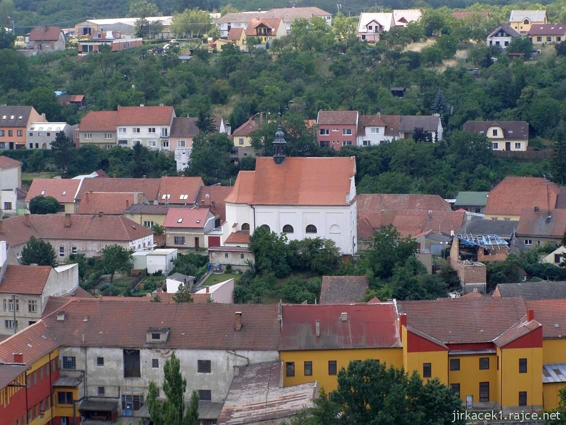 Dolní Kounice - Chrám svaté Barbory (lidově Barborka, dříve kaple svatého Fabiána a Šebestiána) - pohled od kaple sv. Antonína
